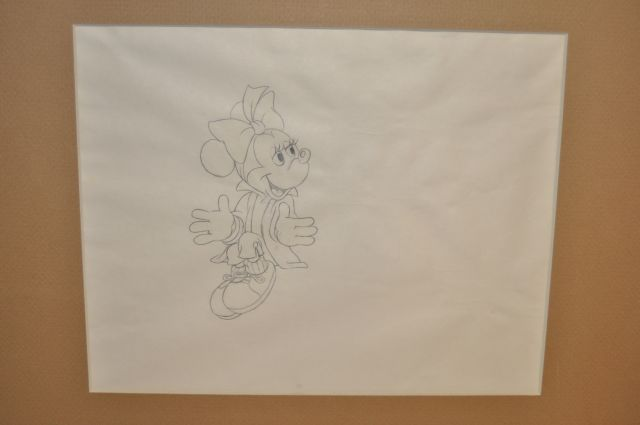 Pencil drawing of a fullfigured Minnie Mouse