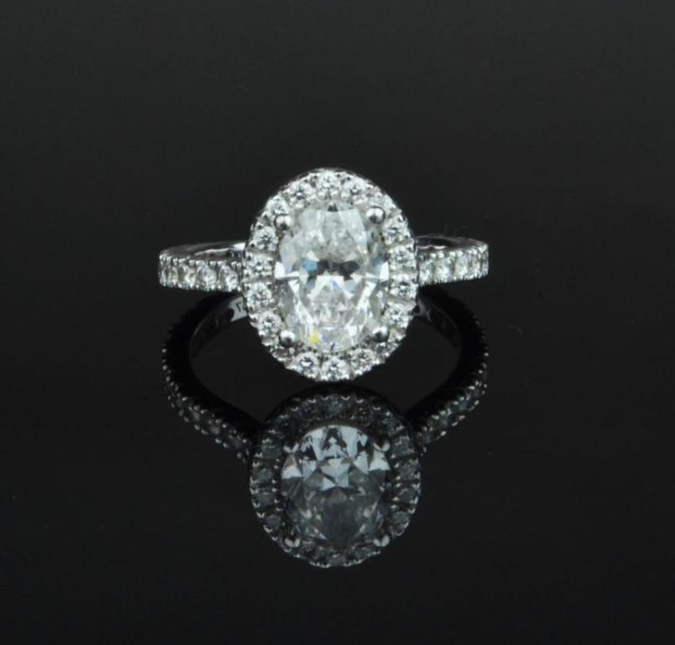 Diamond halo design ring for Home design diamonds