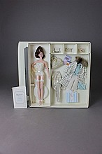 SILKSTONE BARBIE CONTINENTAL HOLIDAY GIFT SET NRFB