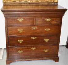 A GEORGE III PERIOD MAHOGANY OR RED WALNUT CHEST,