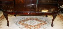 A GOOD CHIPPENDALE STYLE MAHOGANY DINING TABLE,  t