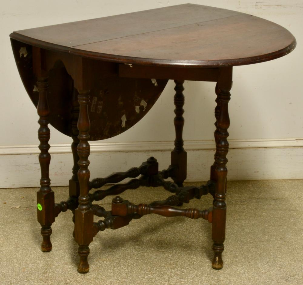 Antique Mahogany Small Gateleg Drop Leaf Table
