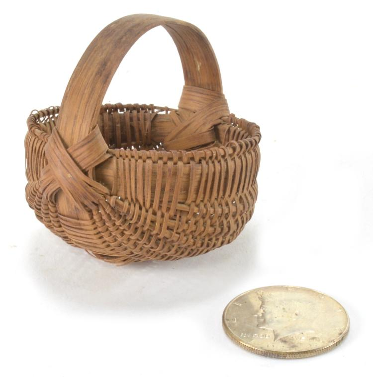 How To Hand Weave A Basket : Southern miniature hand woven basket