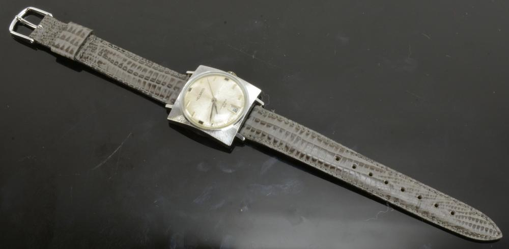 Vintage Helbros Invincible Men's Wristwatch