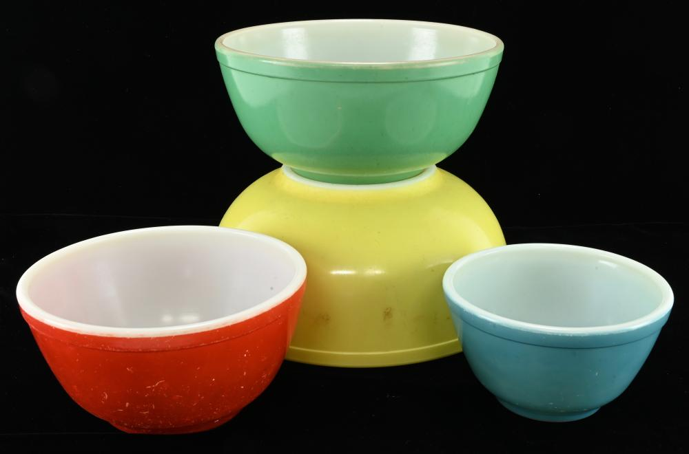 Vintage Pyrex Multi Color Mixing Bowl Set