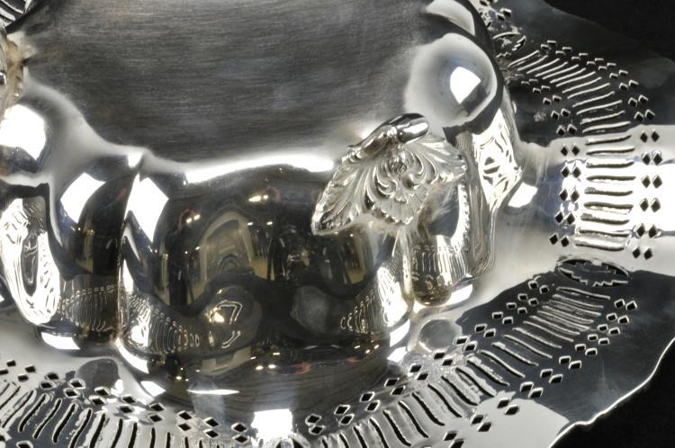 Lot 16: Webster & Wilcox International Silver Co. Centerpiece Bowl