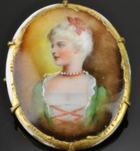Lot 97: Victorian Hand Painted Broach