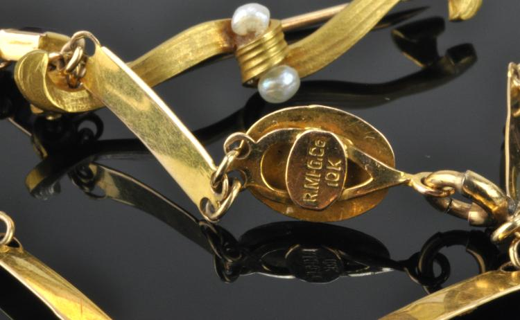 Lot 118: Antique Gold Bracelet And Pin