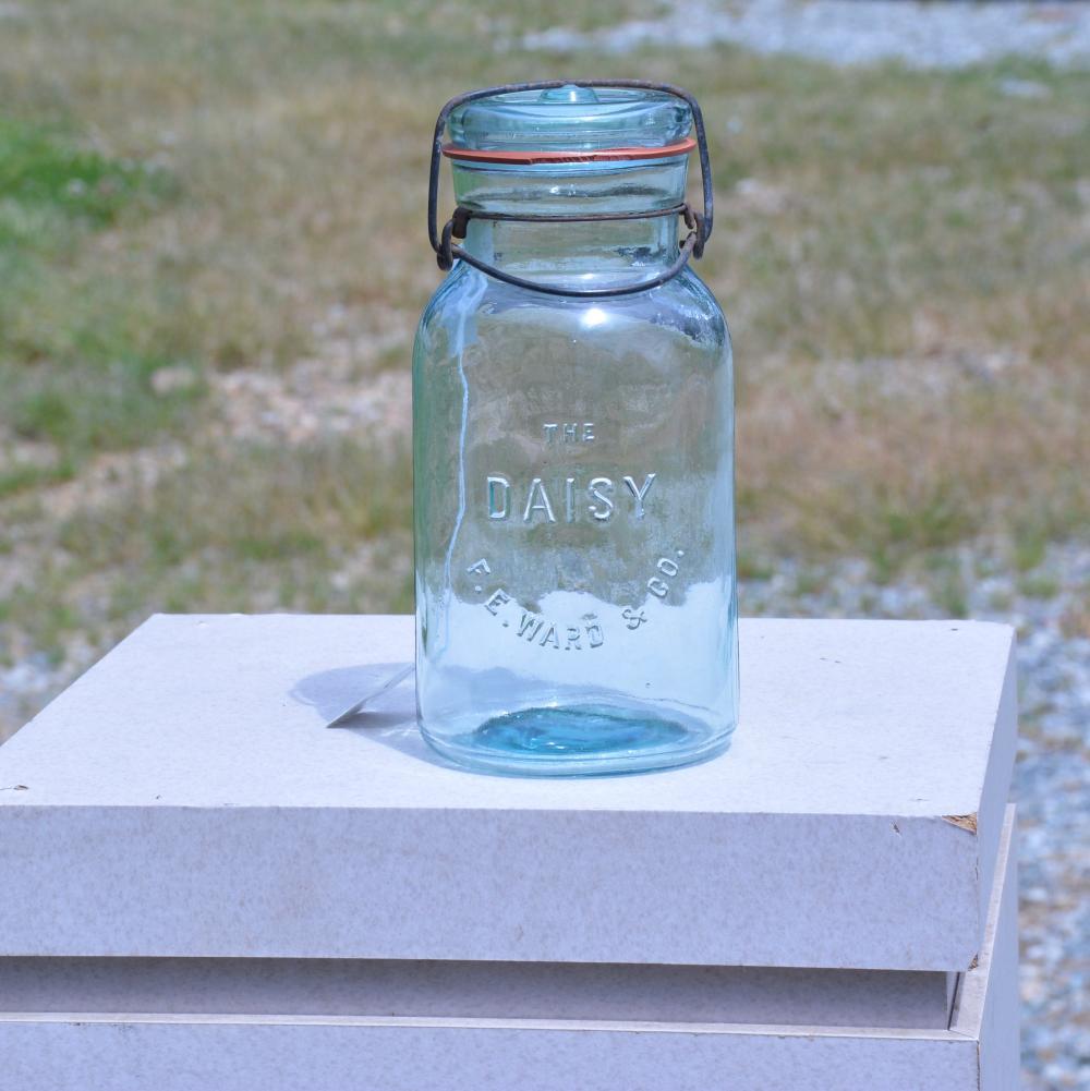 The Daisy F.E.Ward & Co. Quart Fruit Jar