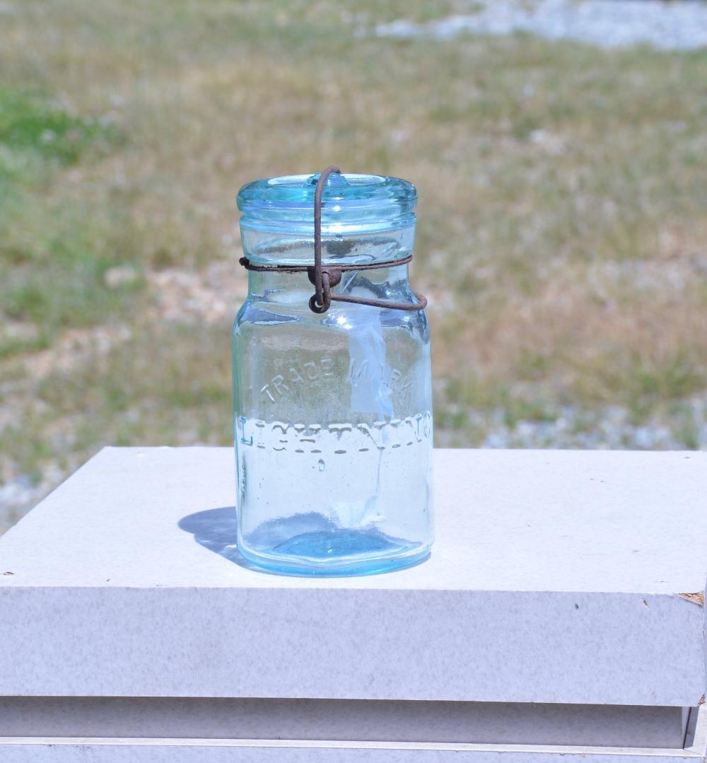 Trade Mark Lightning Pint Fruit Jar