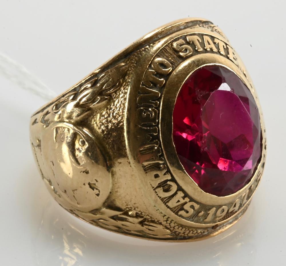 Vintage 10K Gold Sacramento State College Ring