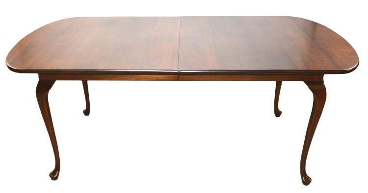 Benbow greensboro nc queen anne extension dining room set for Table 6 greensboro nc