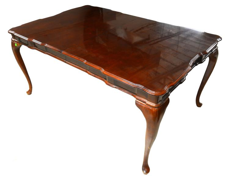 Formal dining table and chairs for Traditional dining table uk
