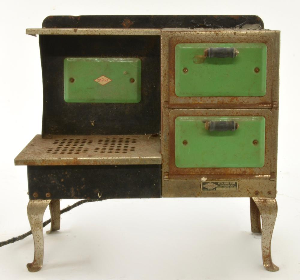 Antique Empire Childs Cooking Oven