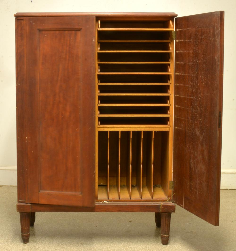 Vintage Fitted Art Print Cabinet