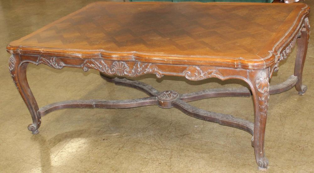French Louis XV style extention dining table