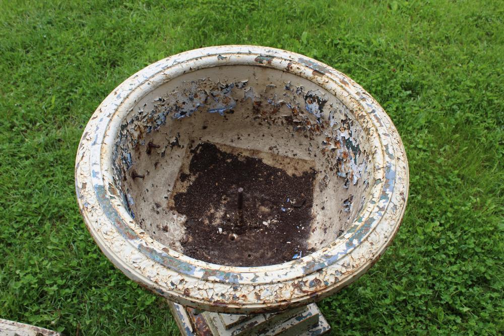 ca 1900 Highgate, VT cast iron garden urns