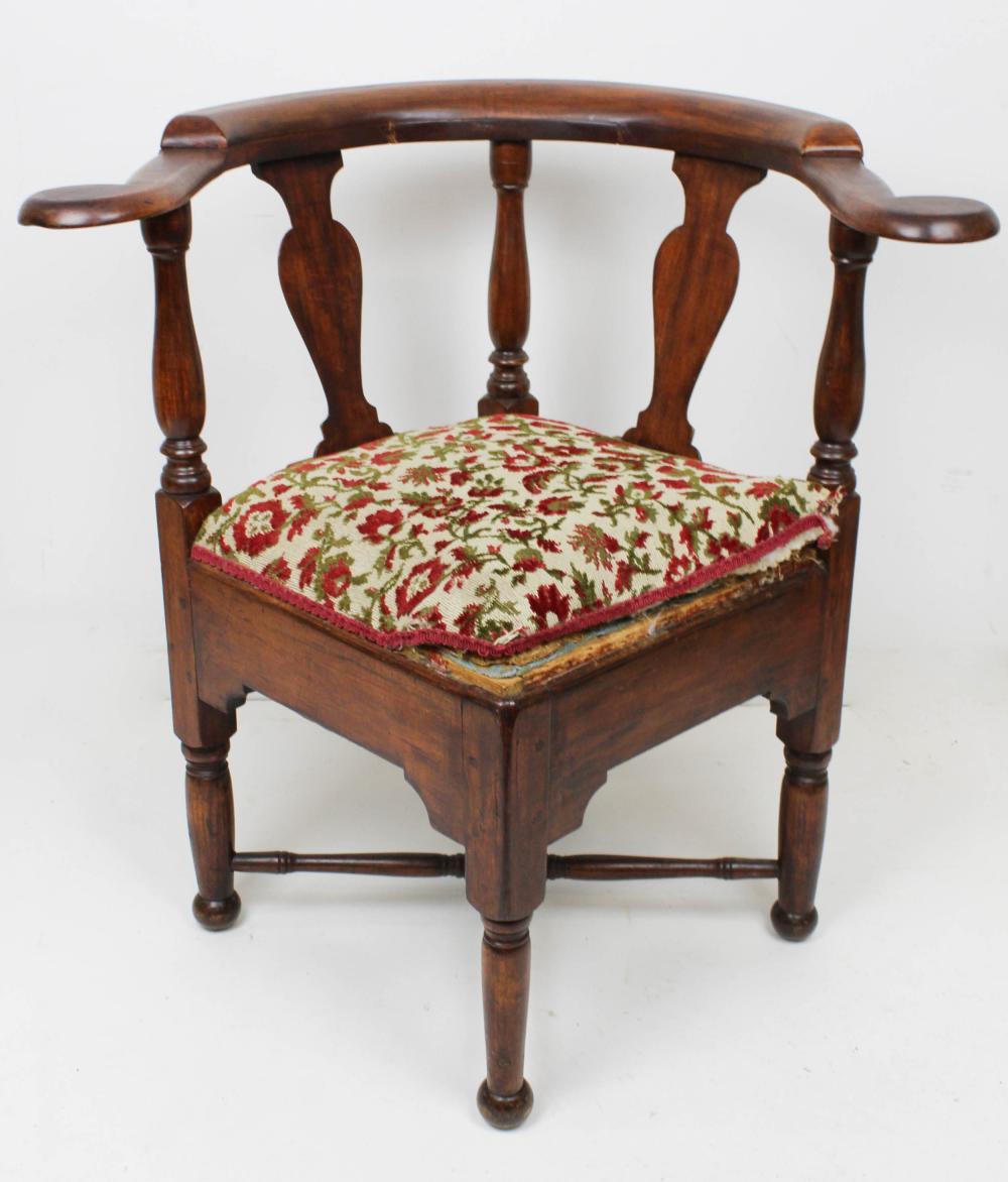 18th C Queen Anne Cherry Vase Splat Corner Chair