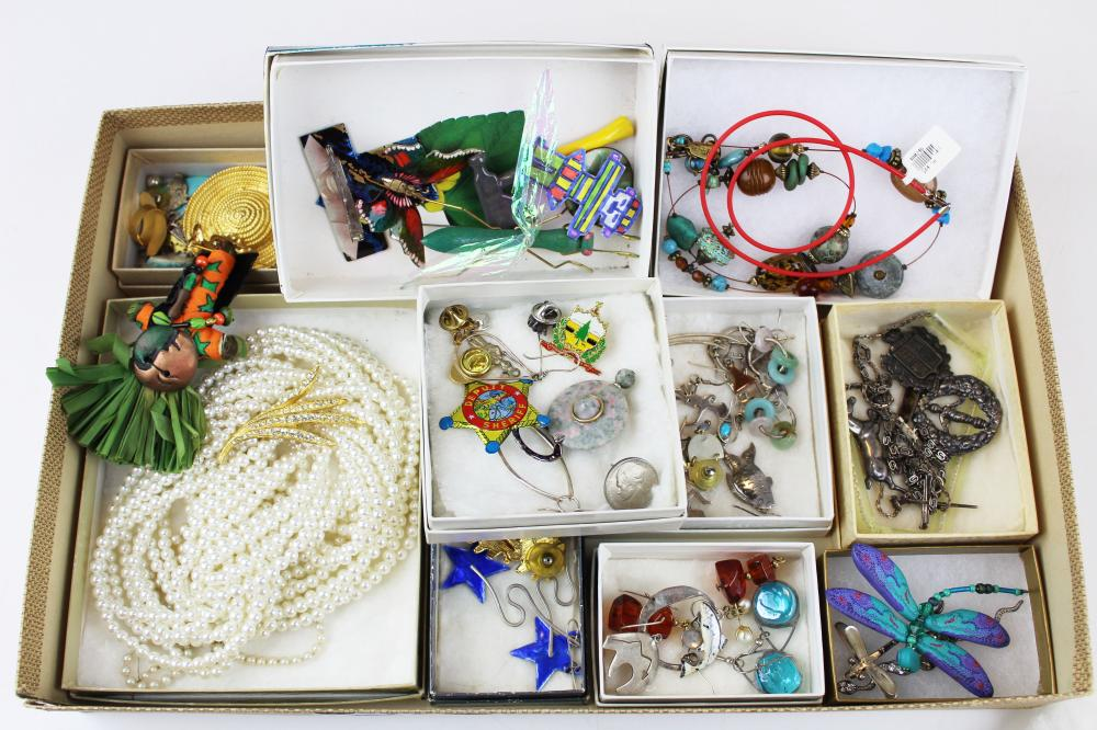 Group of vintage & southwest jewelry
