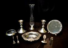 10)  A GROUP OF TEN WEIGHTED STERLING SILVER LOT - (PR) CANDLESTICKS, MIRROR, DISH , VASE & SPOONS.J056.