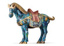 Gesatteltes Cloisonné-Pferd.