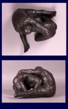 Lutteurs. Sculpture en plâtre patiné couleur bronze, 25 x 29 x 17.