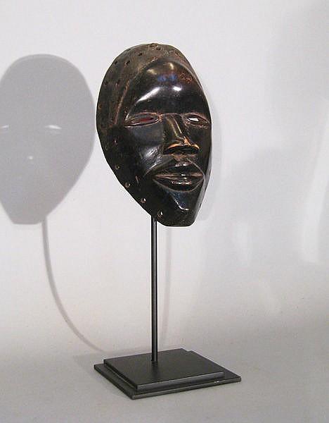 [CÔTE d'IVOIRE]. Masque Dan noir.