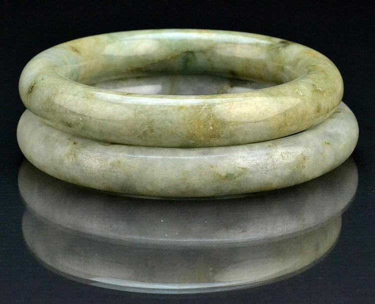 (2) Chinese Qing Jadeite Bangle Bracelets
