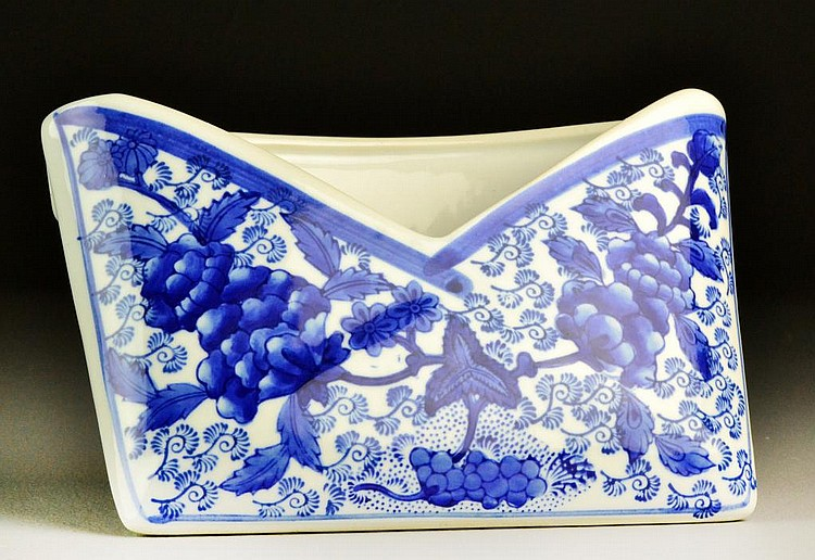 Chinese Blue & White Porcelain Letter Holder
