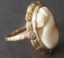 10kt GOLD CAMEO RING