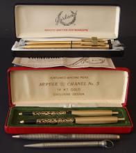 COLLECTION OF VINTAGE PENS & PENCILS