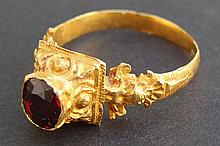 MEDIEVAL INDONESIAN GOLD FINGER RING