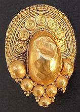 ETRUSCAN GOLD EARRING