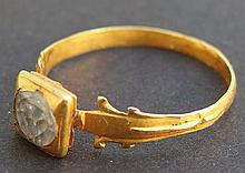 ANCIENT GOLD FINGER RING