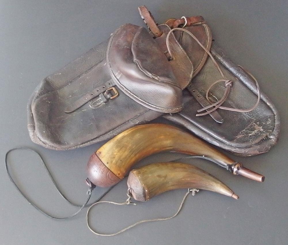 CIVIL WAR DISPATCH BAGS & POWDER HORNS