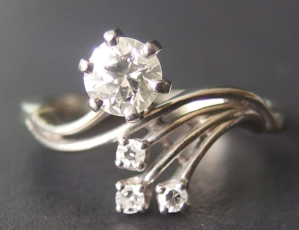 18KT GOLD DIAMOND JABEL ENGAGEMENT RING