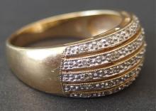 VINTAGE 14KT GOLD & DIAMOND LADIES RING