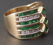 10KT GOLD & DIAMOND EMERALD RING
