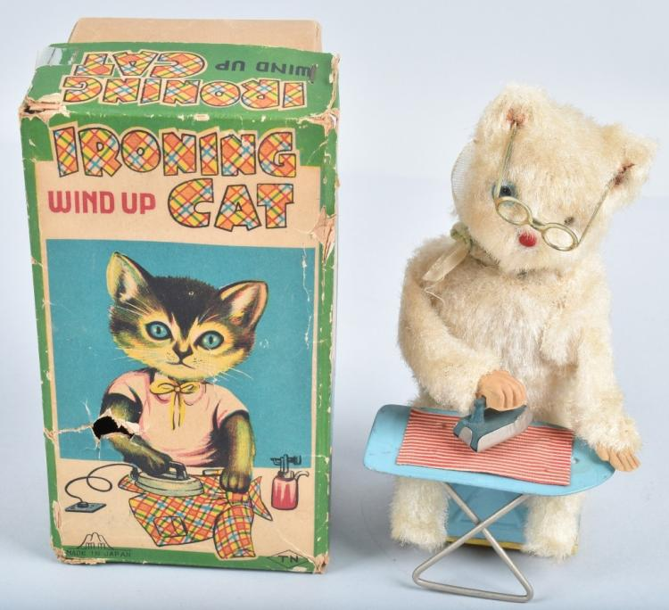 JAPAN Windup IRONING CAT w/ BOX