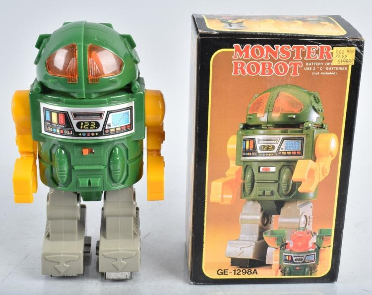 BATTERY OPERATED MONSTER ROBOT w/BOX