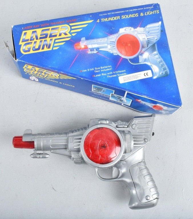 BATTERY OPERATED LASER SPACE GUN w/ BOX