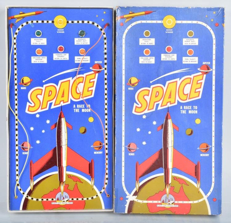 RACE TO THE MOON SPACE GAME w/ BOX