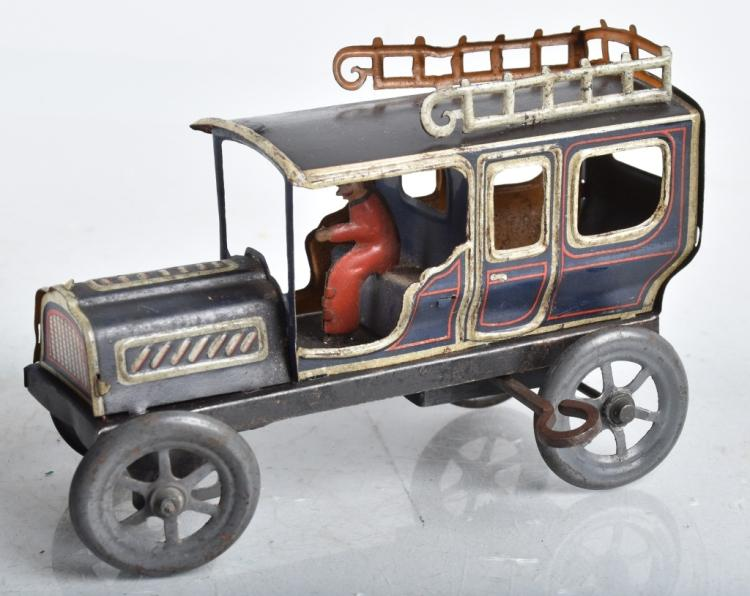 CARETTE Tin Windup SEDAN w/ DRIVER