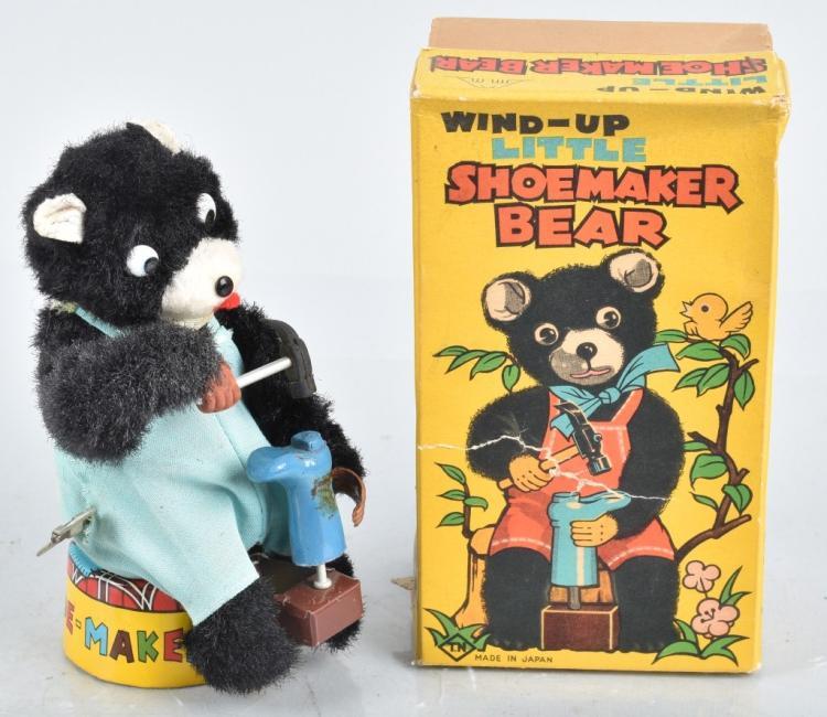 JAPAN Windup SHOEMAKER BEAR w/ BOX
