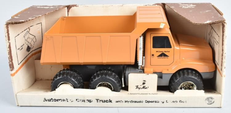 ERTL McCLINTON ANCHOR CONS. DUMP TRUCK w/BOX