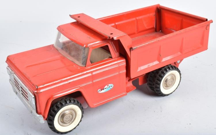 STRUCTO Pressed Steel DUMP TRUCK