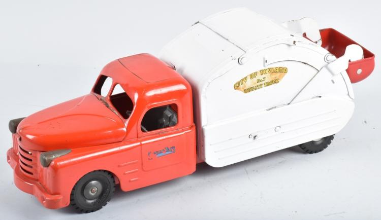 STRUCTO CITY OF TOYLAND GARBAGE TRUCK