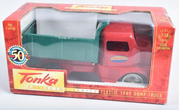 TONKA COLLECTORS SERIES 1949 DUMP TRUCK MIB