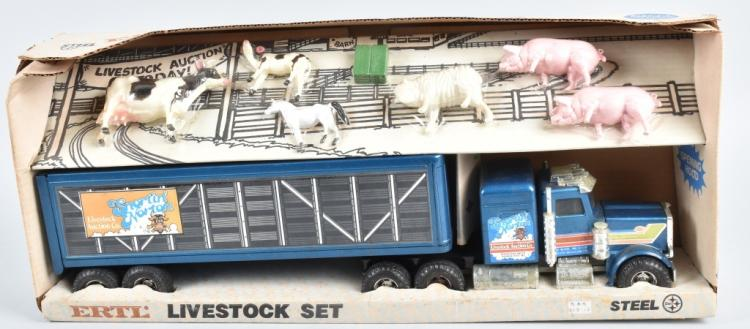 ERTL SNORTIN NORTON LIVE STOCK AUCTION SET MIB