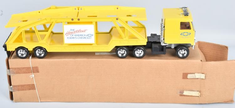 ERTL CHEVY MOTORS CAR HAULER MIB